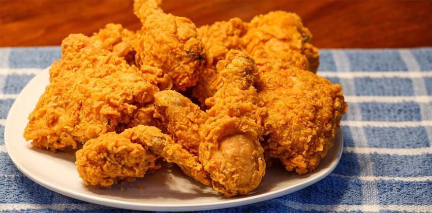 cách làm gà rán kfc cách làm gà rán kfc Cách làm gà rán KFC để có lớp vỏ giòn ngon thơm đúng chuẩn ga ran kfc