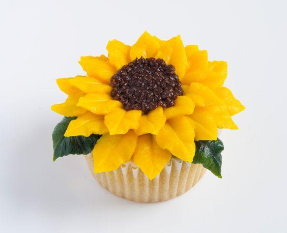 Lưu lại những mẫu hoa kem bơ Hàn Quốc hot nhất không thể bỏ qua   8 mẫu hoa kem bơ Hàn Quốc phổ biến nhất trong trang trí bánh tong hop nhung mau hoa kem bo dep nhat nam 2017 4