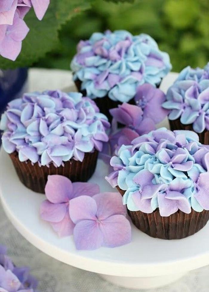 Lưu lại những mẫu hoa kem bơ Hàn Quốc hot nhất không thể bỏ qua-567  8 mẫu hoa kem bơ Hàn Quốc phổ biến nhất trong trang trí bánh tong hop nhung mau hoa kem bo dep nhat nam 2017 6
