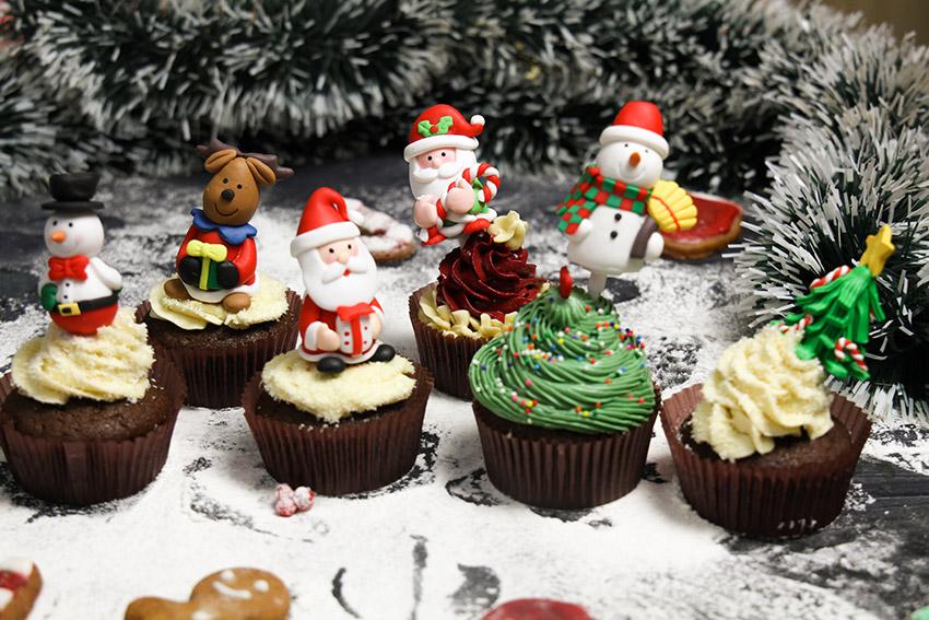 6 cách trang trí bánh cupcake cho Giáng sinh thêm rực rỡ-5678 cách trang trí bánh Gợi ý 6 cách trang trí bánh cupcake cho Giáng sinh thêm rực rỡ 6 cach trang tri banh cupcake cho giang sinh 2