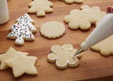 Các bước làm bánh quy trang trí đường cho người mới bắt đầu-566 cách làm bánh quy trang trí đường Cách làm bánh quy trang trí đường cực yêu cho Noel cach lam banh quy trang tri duong cho nguoi moi bat dau 3 230x165