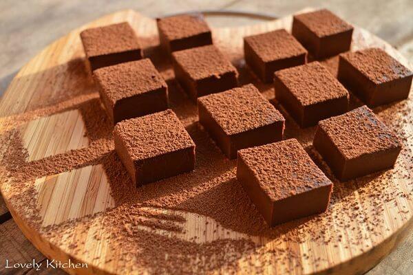 """Cách làm nama chocolate dẻo độc đáo-5464 cách làm nama chocolate Cách làm nama chocolate dẻo """"độc nhất vô nhị"""" cach lam nama chocolate deo doc dao 2"""