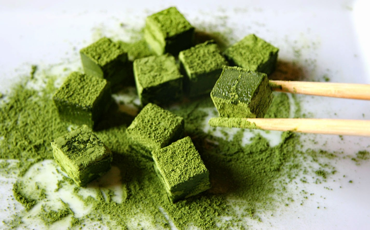 cách làm socola tươi trà xanh Cách làm socola tươi trà xanh tặng người thân yêu cach lam socola tuoi tra xanh 3
