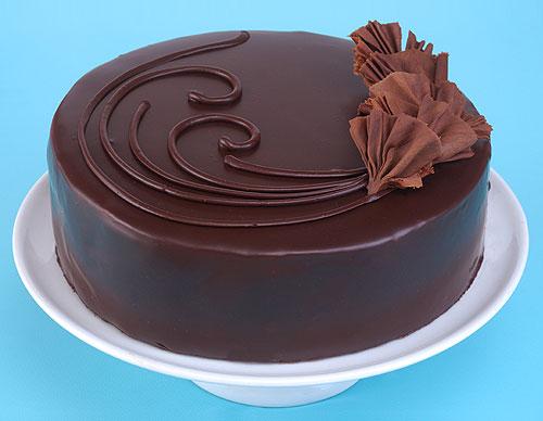Cách phủ socola lên bánh kem-564 cách phủ socola lên bánh kem Cách phủ socola lên bánh kem đơn giản mà đẹp cach phu socola len banh kem 1