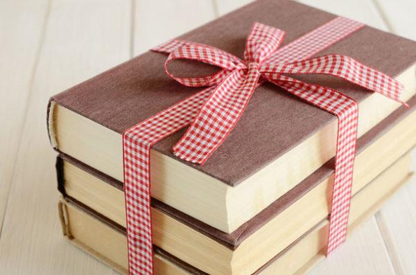 chọn quà giáng sinh Chọn quà Giáng sinh theo Cung hoàng đạo cho người thân chuẩn nhất qua tang sach e1513998615794