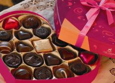 cách làm socola với sữa tươi cách làm socola với sữa tươi Cách làm socola với sữa tươi đơn giản tặng gấu Valentine này cach lam socola voi sua tuoi  230x165