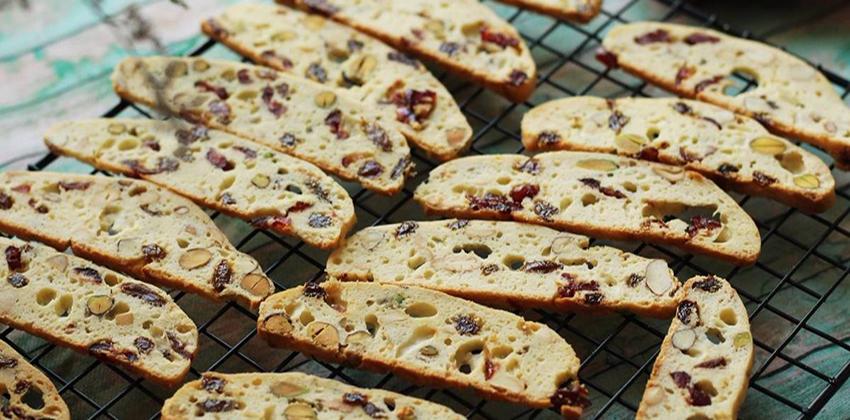 cách làm bánh biscotti cách làm bánh biscotti Cách làm bánh biscotti thơm bùi hòa quyện rực rỡ đón Tết cach lam banh biscotti 1 1