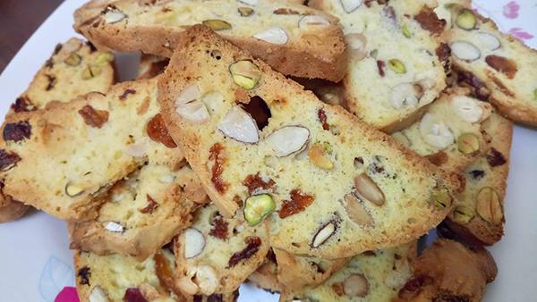 cách làm bánh biscotti cách làm bánh biscotti Cách làm bánh biscotti thơm bùi hòa quyện rực rỡ đón Tết cach lam banh biscotti 7
