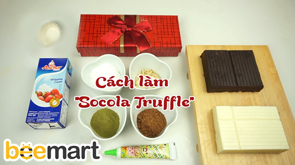 "cách làm socola viên cách làm socola viên Cách làm socola viên siêu lãng mạn đốn tim ""crush"" ngày Valentine cach lam socola vien 2"