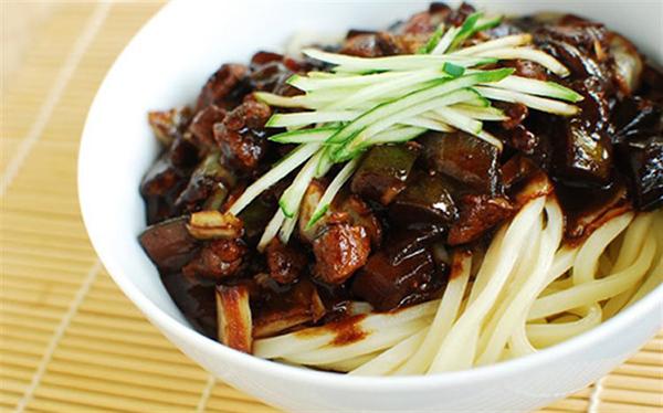 cách làm các món ăn vặt Hàn Quốc cách làm các món ăn vặt hàn quốc Tổng hợp cách làm các món ăn vặt Hàn Quốc cực đơn giản, thơm ngon cach lam cac mon an vat han quoc 2