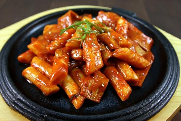 cách làm các món ăn vặt Hàn Quốc cách làm các món ăn vặt hàn quốc Tổng hợp cách làm các món ăn vặt Hàn Quốc cực đơn giản, thơm ngon cach lam cac mon an vat han quoc 4