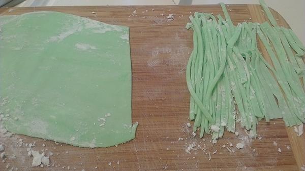 cách làm chè thái xanh cốt dừa cách làm chè thái xanh cốt dừa Cách làm chè thái xanh cốt dừa thơm ngon chỉ với 4 bước cach lam che thai xanh cot dua 6