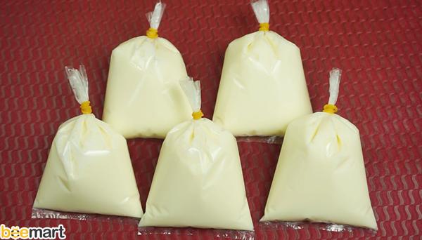 cách làm sữa chua vị hoa quả cách làm sữa chua vị hoa quả Cách làm sữa chua vị hoa quả rực rỡ sắc màu, đẹp da, giữ dáng cach lam sua chua tui vi hoa qua 7