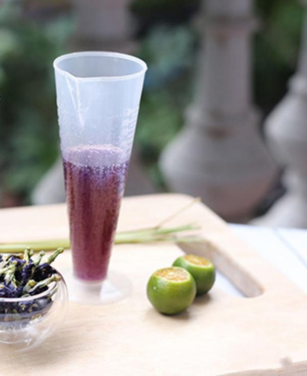 cách làm trà hoa đậu biếc cách làm trà hoa đậu biếc Cách làm trà hoa đậu biếc màu xanh dịu mát hot nhất hè 2018 cach lam tra hoa dau biec 16 2
