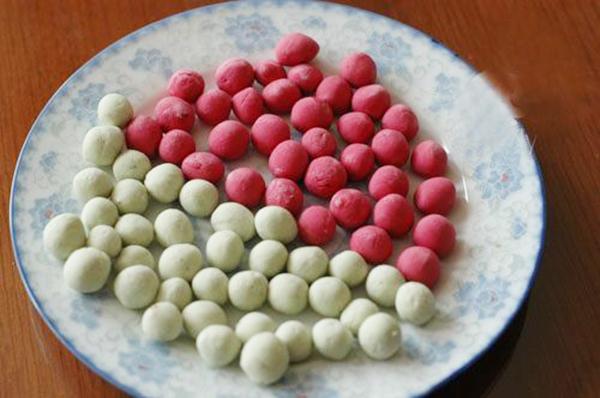 cách làm trân châu nhiều màu cách làm trân châu nhiều màu Cách làm trân châu nhiều màu đẹp mắt, cực hấp dẫn cho ly trà sữa cach lam tran chau nhieu mau 6