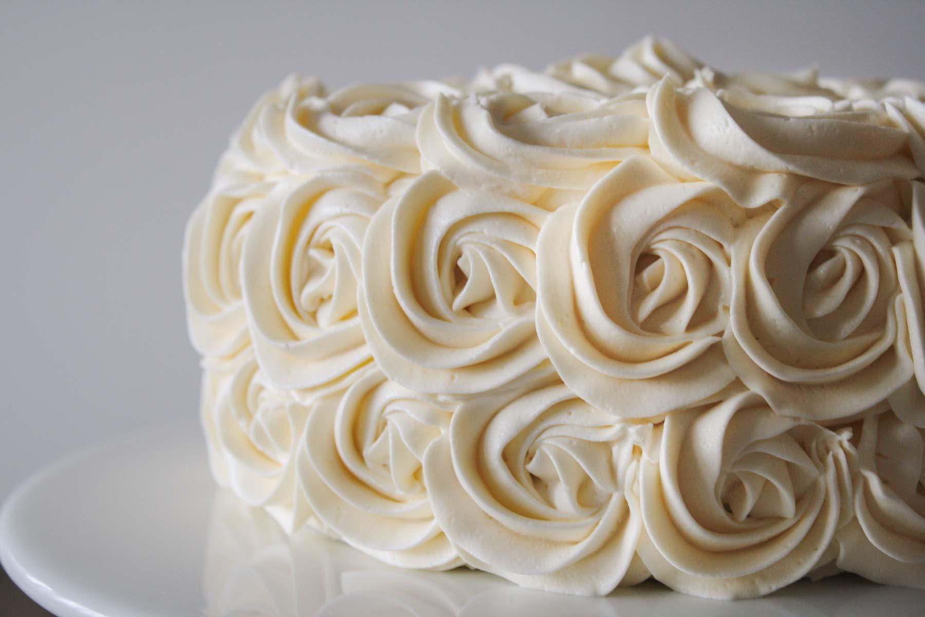 whipping cream là gì whipping cream là gì Whipping Cream là gì? Công dụng và phân biệt với Topping Cream whipping cream la gi 11