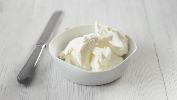 cream cheese là gì cream cheese là gì Cream Cheese là gì? Công dụng và cách bảo quản cream cheese đúng cách cream cheese la gi32