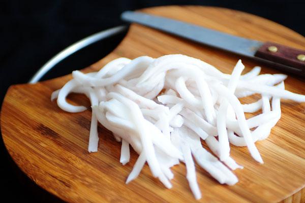 cách làm món dừa dầm hải phòng cách làm dừa dầm hải phòng Cách làm dừa dầm Hải Phòng thanh mát, ngon chuẩn vị cach lam mon dua dam hai phong 1