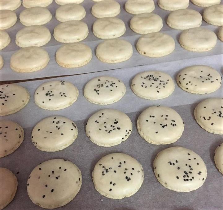 lỗi cơ bản khi làm bánh macaron lỗi cơ bản khi làm bánh macaron Lỗi cơ bản khi làm bánh Macaron không phải ai cũng biết loi co ban lam banh macaron 6