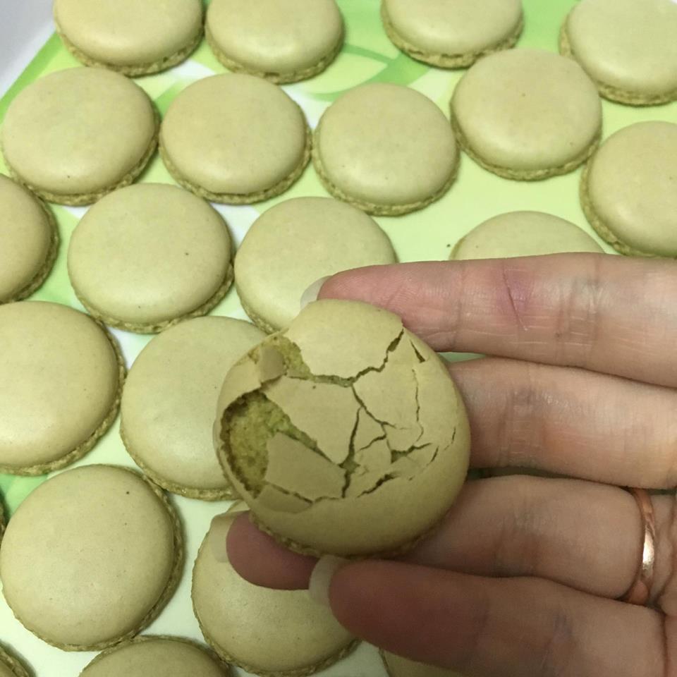 lỗi cơ bản khi làm bánh macaron lỗi cơ bản khi làm bánh macaron Lỗi cơ bản khi làm bánh Macaron không phải ai cũng biết loi co ban lam banh macaron 8