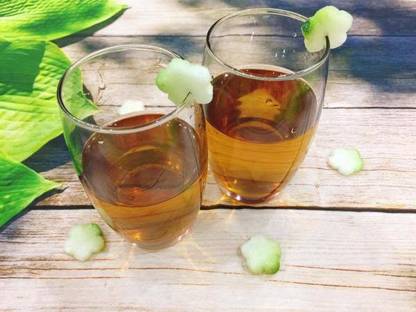 trà bí đao 2 trà bí đao Trà bí đao thanh mát, dễ làm giúp xua tan cái nóng mùa hè tra bi dao 2