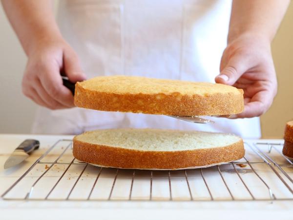 Bánh bông lan chanh leo beemart