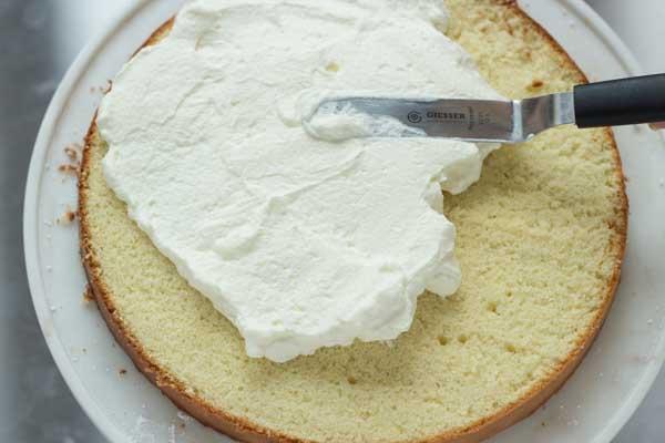 Bánh bông lan chanh leo7