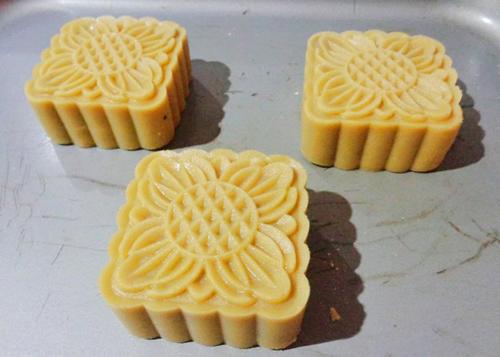 cách làm bánh nướng trung thu 55 cách làm bánh nướng trung thu Cách làm bánh nướng Trung thu từ nước đường bánh dẻo cực lạ cach lam banh nuong trung thu 55