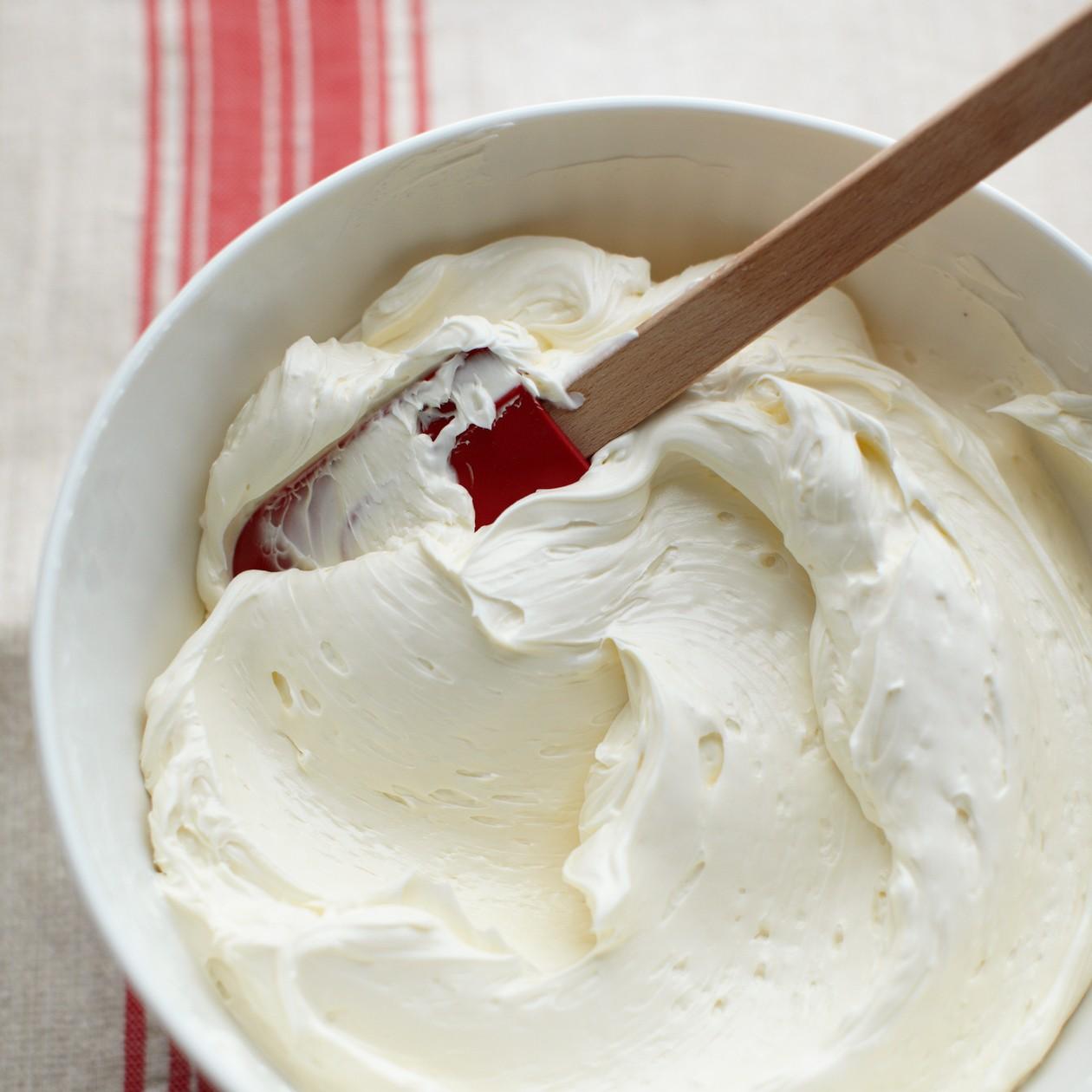 whipping cream 16 whipping cream Whipping cream – nguyên liệu cơ bản giúp bạn làm nhiều món tráng miệng cực ngon whipping cream 16