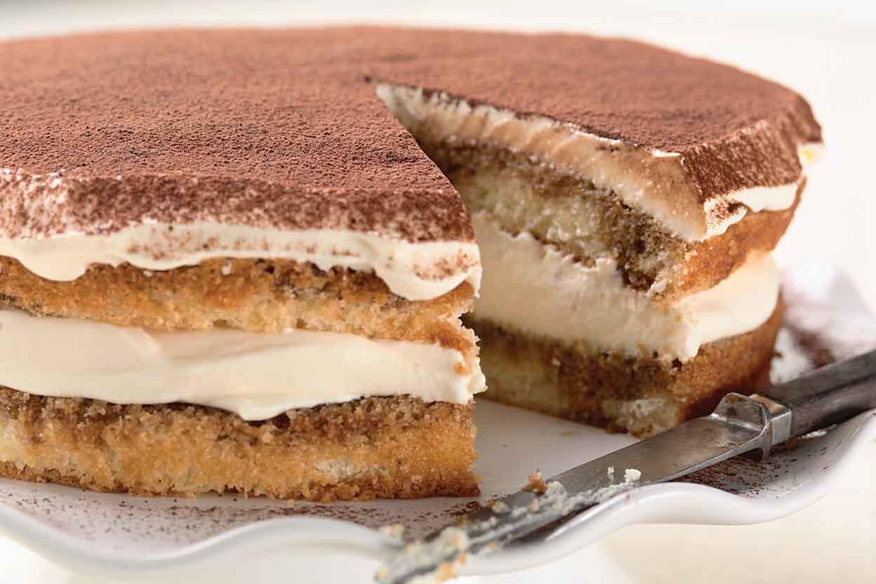cách làm bánh 51 cách làm bánh ngon Cách làm bánh ngon từ cốt bánh bông lan cơ bản cach lam banh 51