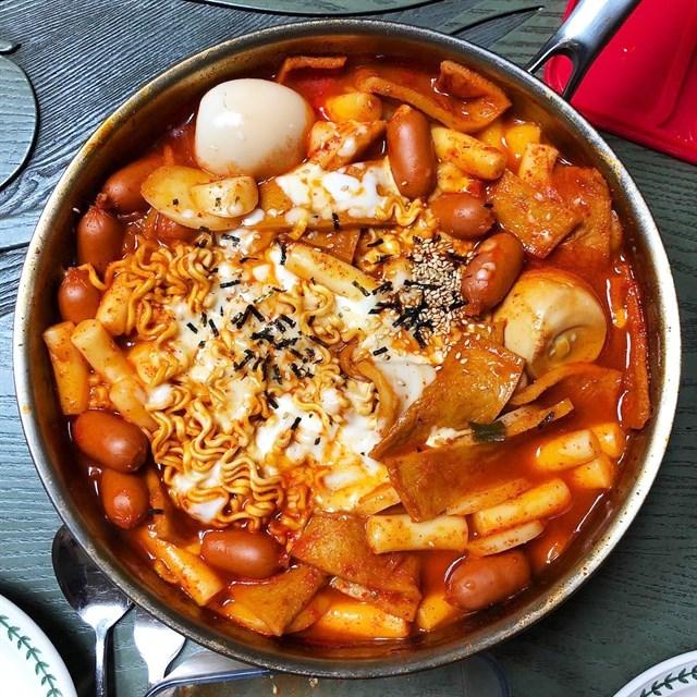 cách làm đồ ăn hàn quốc 2 cách làm đồ ăn hàn quốc Cách làm đồ ăn Hàn Quốc nhanh vèo vèo chỉ trong 30 phút cach lam do an han quoc 2