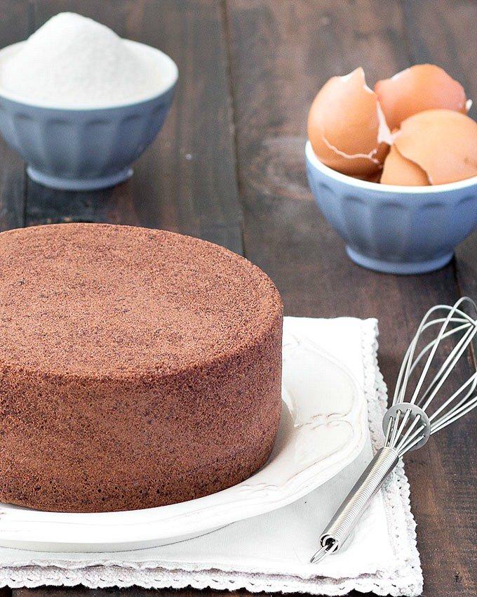 cách làm bánh bông lan socola 1 cách làm bánh bông lan socola Cách làm bánh bông lan socola nhân kem bơ đơn giản cach lam banh bong lan socola 1