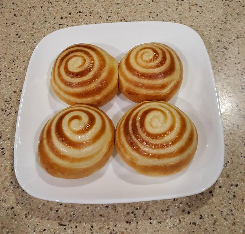 cách làm bánh mì ngọt nhân kem 9 cách làm bánh mì ngọt Cách làm bánh mì ngọt nhân kem xoắn ốc mê ly cach lam banh mi ngot nhan kem 9