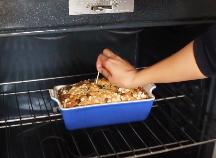 cách làm bánh mì yến mạch 10 cách làm bánh mì yến mạch Cách làm bánh mì yến mạch socola và quả bí ngòi tốt cho sức khỏe cach lam banh mi yen mach 10
