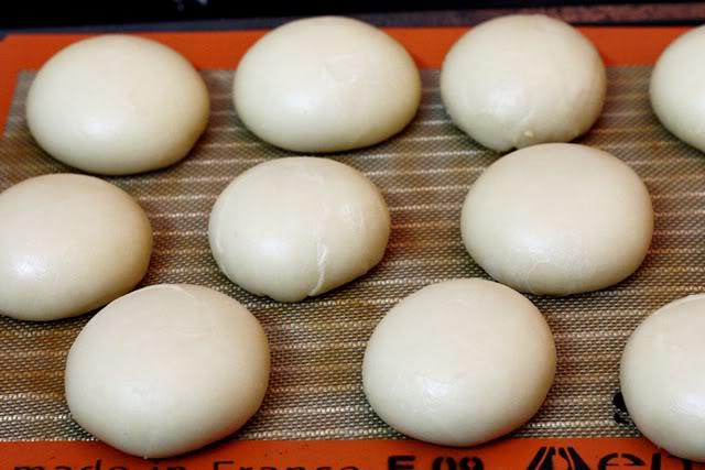 cách làm bánh pía 22 cách làm bánh pía Cách làm bánh pía chuẩn vị ngon nức nở cach lam banh pia 22