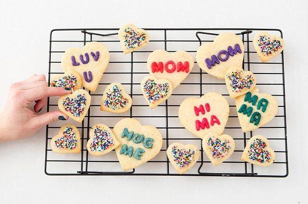 cách làm bánh quy trái tim ngọt ngào tặng mẹ ngày 2010-8 cách làm hồng treo Cách làm hồng treo kiểu Nhật đẹp lung linh cach lam banh quy trai tim ngot ngao tang me ngay 2010 8