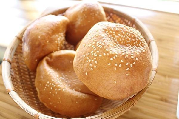 cách làm bánh tiêu 5 cách làm bánh tiêu Cách làm bánh tiêu miền Nam tại nhà giòn ngon thơm phức cach lam banh tieu 5