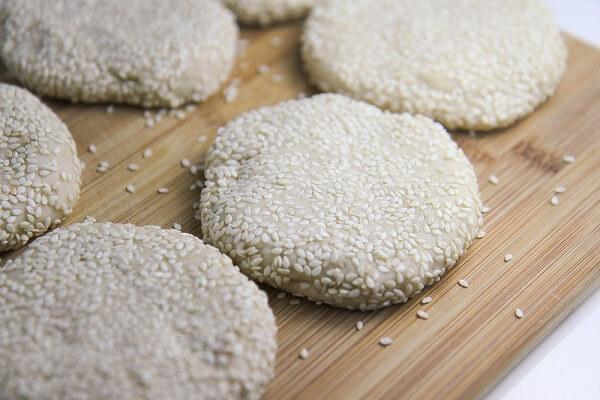 Cách làm bánh tiêu 7 cách làm bánh tiêu Cách làm bánh tiêu miền Nam tại nhà giòn ngon thơm phức cach lam banh tieu 7