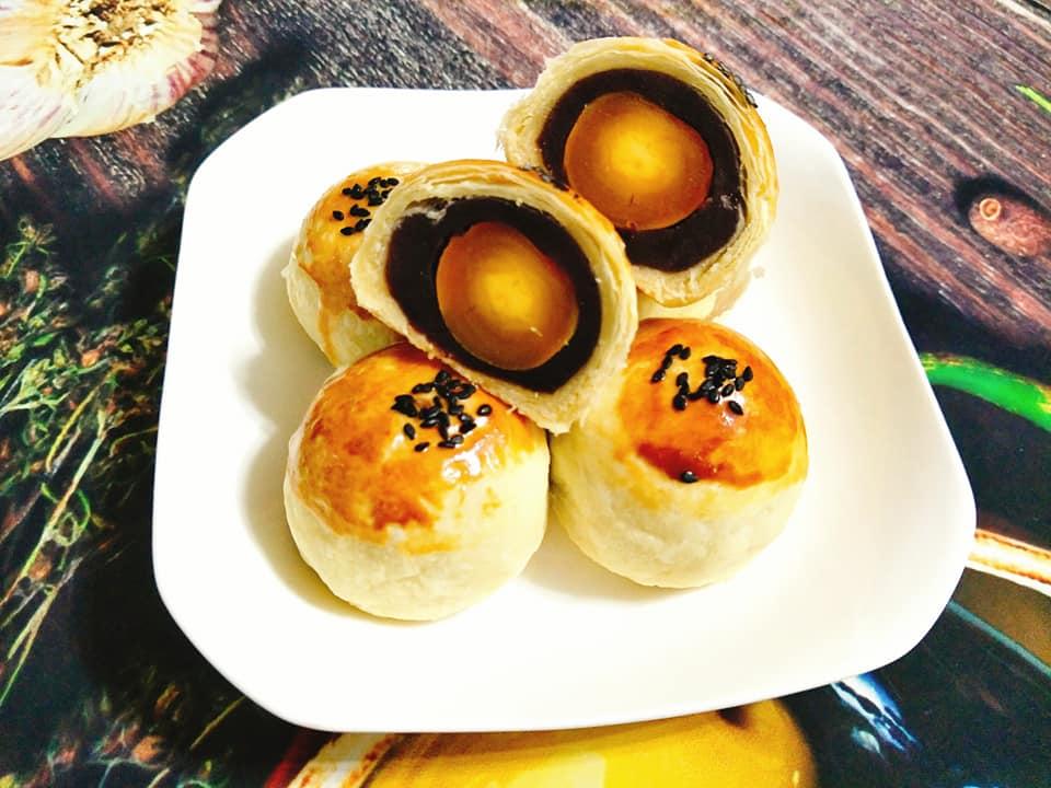 cách làm bánh trung thu đài loan 1 cách làm bánh trung thu Cách làm bánh Trung thu Đài Loan nhân đậu đỏ trứng muối cach lam banh trung thu dai loan 1
