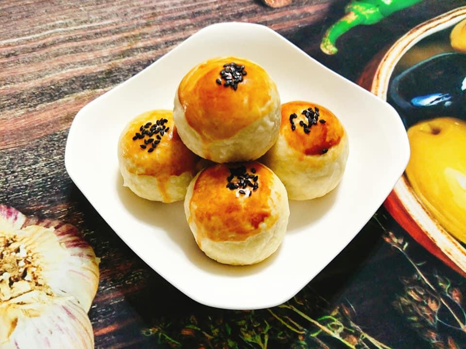 cách làm bánh trung thu đài loan 4 cách làm bánh trung thu Cách làm bánh Trung thu Đài Loan nhân đậu đỏ trứng muối cach lam banh trung thu dai loan 4