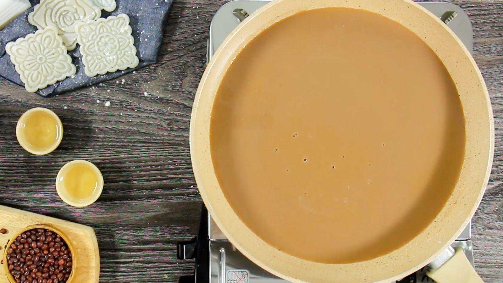 cách làm nhân đậu đỏ 12 cách làm nhân đậu đỏ Cách làm nhân đậu đỏ nhuyễn mịn cho Trung thu 2019 cach lam nhan dau do 12
