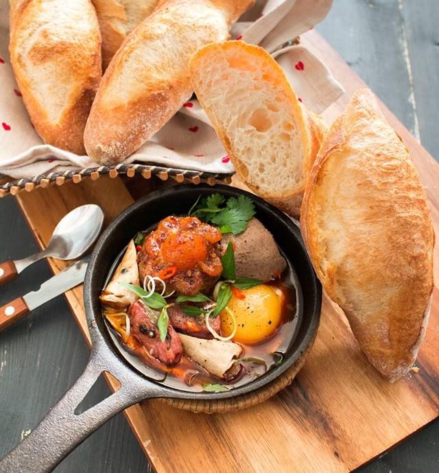 Bánh mì Nha Trang 5 bánh mì nha trang Bánh mì Nha Trang giòn rụm ăn ngon hết nấc banh mi nha trang 5