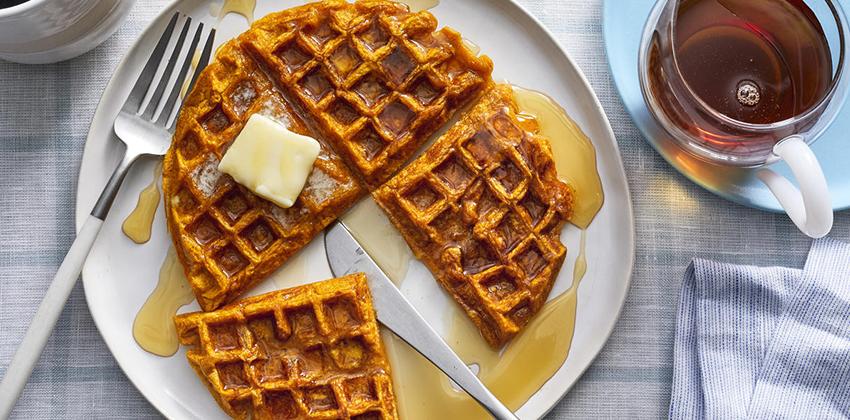 Cách làm bánh Waffles bí ngô 66 cách làm bánh waffles bí ngô Cách làm bánh Waffles bí ngô khởi động mùa lễ hội Halloween cach lam banh Waffles bi ngo 66