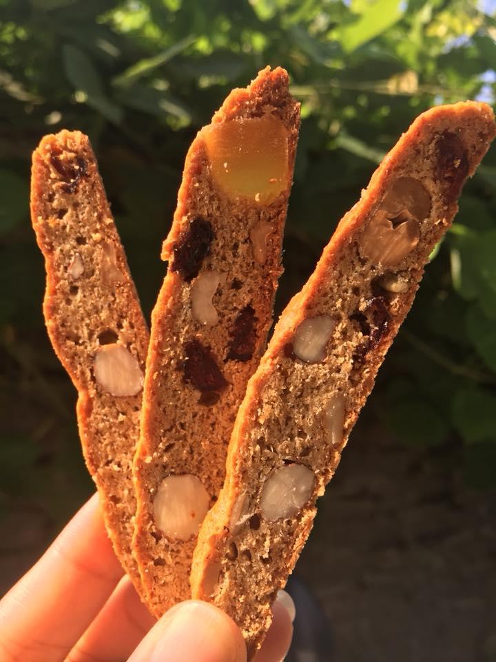 cách làm biscotti  cách làm biscotti Cách làm Biscotti nguyên cám siêu ngon, siêu đơn giản cach lam banh biscotti 2