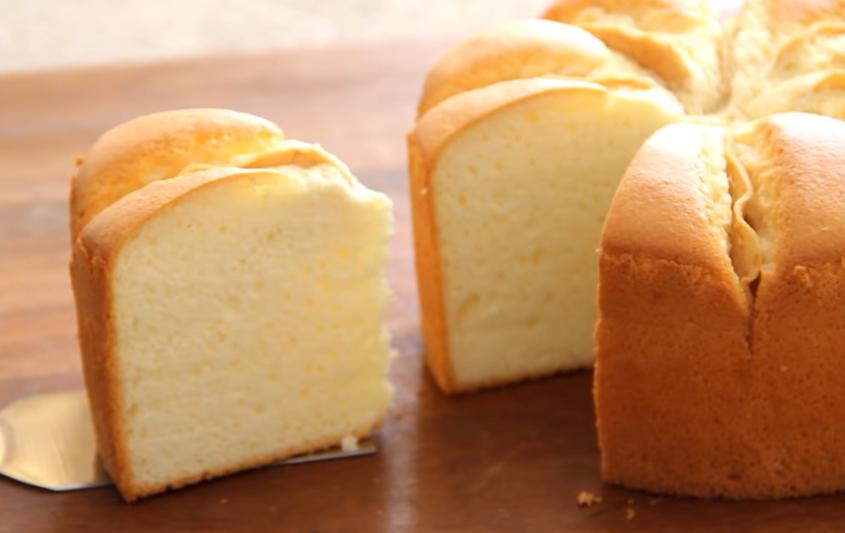 cách làm bánh bông lan 55 cách làm bánh bông lan Cách làm bánh bông lan sữa chua táo chua ngọt ngon bất tận cach lam banh bong lan 55