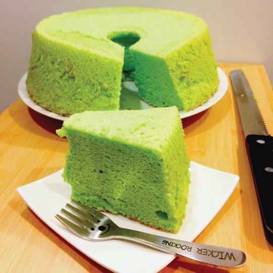cách làm bánh chiffon lá dứa 8 cách làm bánh chiffon lá dứa Cách làm bánh Chiffon lá dứa xanh mướt mát cach lam banh chiffon la dua 8