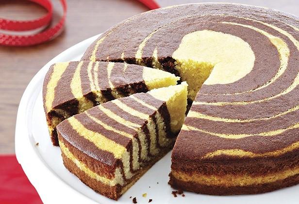 cách làm bánh bông lan hình thú cách làm bánh bông lan Cách làm bánh bông lan hình thú ngộ nghĩnh bằng máy nướng cực đơn giản cach lam banh gato hong kong ngua van 66 1