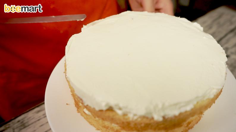 cách làm bánh kem 4 cách làm bánh kem Cách làm bánh kem tặng người phụ nữ thân yêu của bạn ngày 20/10 cach lam banh kem 4