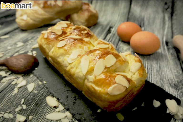 cách làm bánh mì hoa cúc 8 cách làm bánh mì bơ sữa nhân mứt dâu Cách làm bánh mì bơ sữa nhân mứt dâu cho cả nhà vào dịp cuối tuần cach lam banh mi hoa cuc 8 copy