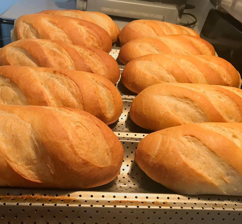 cách làm bánh mì việt nam 2 cách làm bánh mì việt nam Cách làm bánh mì Việt Nam giòn ngon bất bại cach lam banh mi viet nam 2